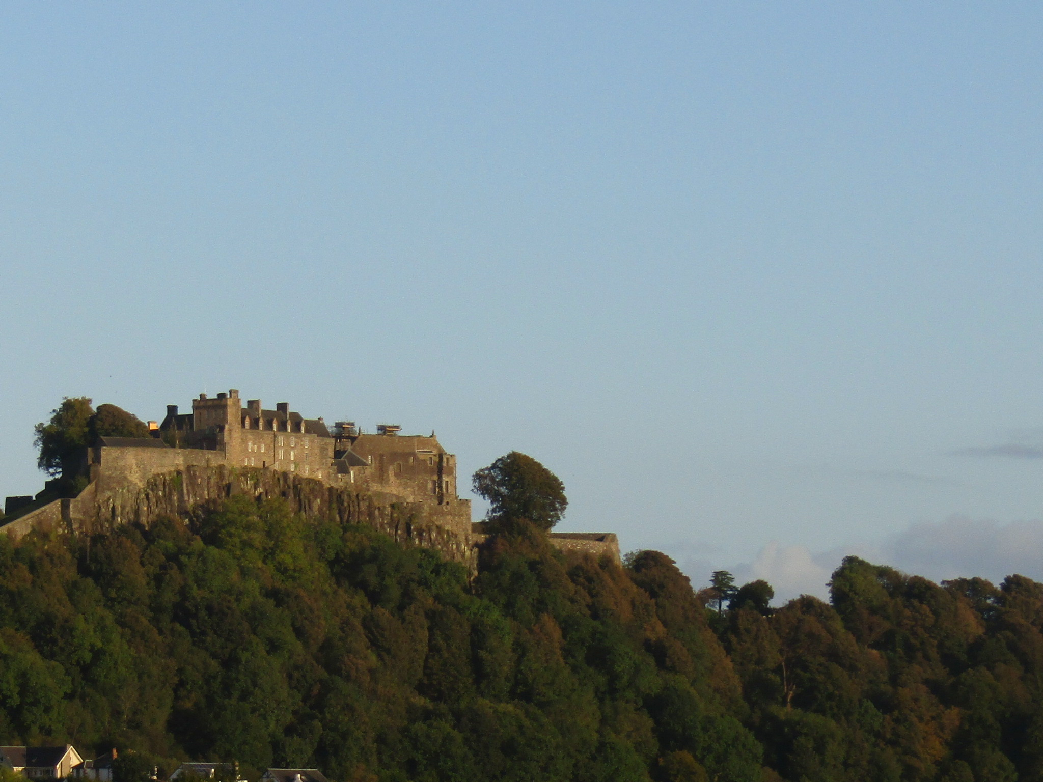 family homestay to learn english in scotland - stirling castle