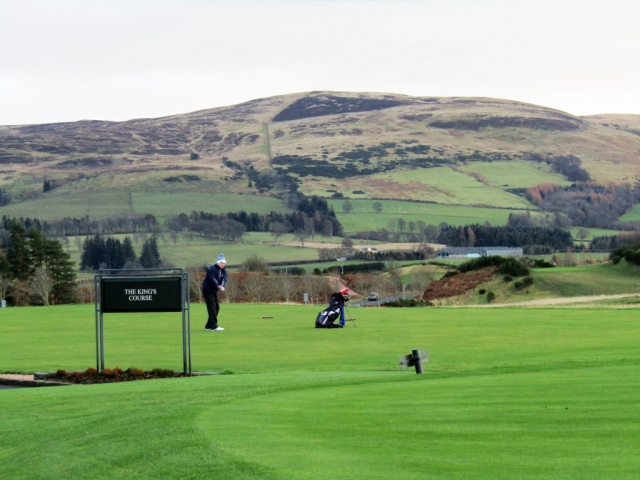 family homestay to learn english in scotland - Golf at Gleneagles