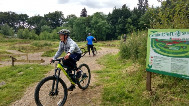 family homestay to learn english in scotland - Mountain biking