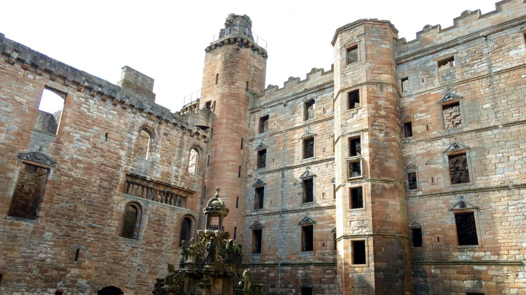 Linlithgow Palace - a day trip as part of learning English