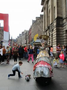 english family homestay in scotland - edinburgh fringe