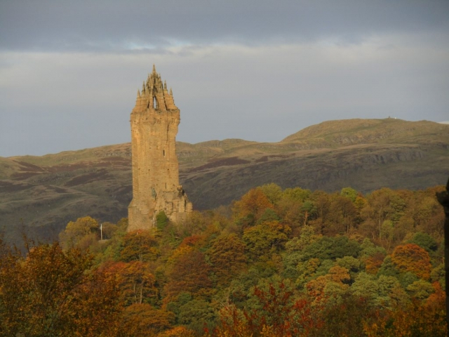 family homestay to learn english in scotland - Wallace Monument