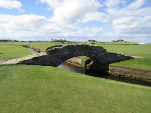 swilcan bridge, golf holiday in scotland